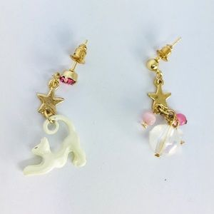 New! White Kitty Cat Pink Rhinestone Star Earrings
